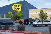 Policemen arresting some of the looters  who broke into a local Best Buy store in Emeryville , CA, on May 30, 2020.