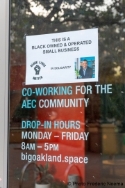 A storefront in Oakland, CA, on May 30, 2020, with a note from the owner hoping to convince protesters to break it.
